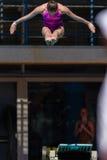 Dziewczyna basenu Nurkowi mistrzostwa Obrazy Stock
