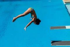 Dziewczyna basenu Nurkowi mistrzostwa Zdjęcia Stock