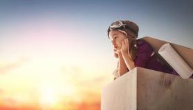 Dziewczyna bawić się astronauta Obraz Royalty Free