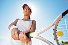 Dziewczyna bawić się tenisa Obrazy Stock