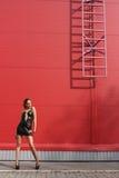 dziewczyna blisko schodków Obrazy Stock