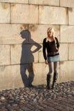 dziewczyna cień nastolatków. Zdjęcie Stock