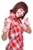 dziewczyna daje roześmianym koszulowym aprobatom Zdjęcie Royalty Free