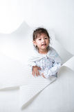 Dziewczyna Dostaje Out Od dziury na Białym tle -1 Zdjęcia Royalty Free