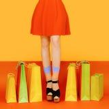 Dziewczyna iść na piechotę kolorowego Obraz Royalty Free