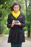 Dziewczyna i kamera Fotografia Stock