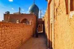 Dziewczyna i Klasyczna architektura w Kashan, Iran zdjęcia royalty free
