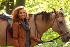 Dziewczyna i koń Obrazy Stock