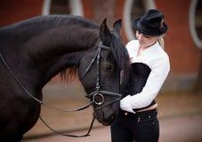 Dziewczyna i koń Zdjęcia Royalty Free