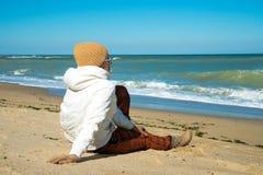 Dziewczyna i morze Zdjęcia Royalty Free