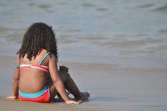 Dziewczyna i ocean zdjęcie royalty free