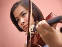 Dziewczyna i skrzypce Fotografia Stock