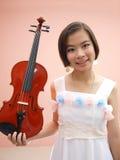 Dziewczyna i skrzypce Zdjęcie Stock