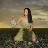 Dziewczyna i zielona herbata zdjęcie stock