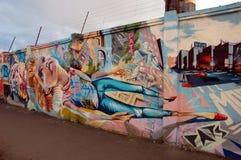 dziewczyna jaskrawy graffiti Zdjęcie Royalty Free
