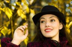 dziewczyna jesienią Zdjęcia Royalty Free