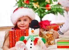 dziewczyna kapelusz Santa zdjęcie royalty free