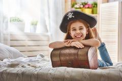 dziewczyna kostiumowy pirat Zdjęcia Stock