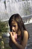 dziewczyna kremowy lodu obrazy stock