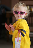 dziewczyna małe okulary przeciwsłoneczne Zdjęcie Stock
