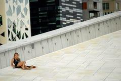 Dziewczyna ma odpoczynek Zdjęcia Royalty Free
