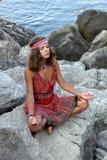Dziewczyny medytować Zdjęcia Royalty Free