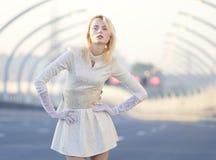 Dziewczyna na autostradzie Zdjęcie Royalty Free