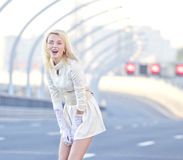 Dziewczyna na autostradzie Fotografia Royalty Free