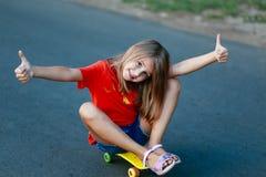 dziewczyna na deskorolka Zdjęcie Stock