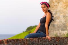 Dziewczyna na górze ściany Zdjęcie Royalty Free