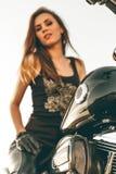 Dziewczyna na motocyklu Zdjęcia Royalty Free
