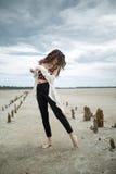 Dziewczyna na piasku Fotografia Royalty Free