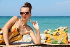Dziewczyna na plaży. Obraz Royalty Free