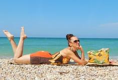 Dziewczyna na plaży. Obraz Stock