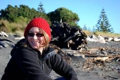 Dziewczyna na plaży na zima dniu Obraz Royalty Free