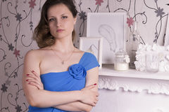dziewczyna obok kominka Fotografia Stock
