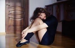 Dziewczyna odpoczywa po tana Zdjęcia Stock