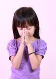 Dziewczyna ono modli się Zdjęcie Royalty Free