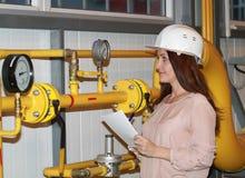 Dziewczyna operator w hełmie Fotografia Royalty Free