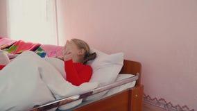 Dziewczyna pójść łóżko zbiory