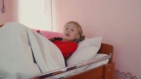 Dziewczyna pójść łóżko zdjęcie wideo