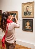 Dziewczyna patrzeje Fulla obraz, Sistani Obraz Royalty Free