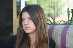 Dziewczyna patrzeje smutny Zdjęcie Stock