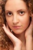 dziewczyna piękny kędzierzawy portret Obrazy Royalty Free