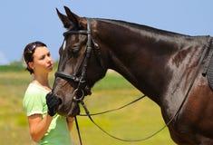 dziewczyna piękny koń Zdjęcia Royalty Free