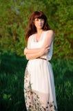 dziewczyna piękny smokingowy biel Fotografia Royalty Free