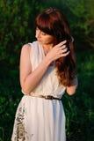 dziewczyna piękny smokingowy biel Obraz Royalty Free