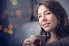Dziewczyna pije herbaty Obraz Royalty Free