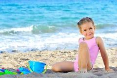 dziewczyna plażowy berbeć Fotografia Royalty Free
