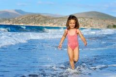 dziewczyna plażowy berbeć Obrazy Stock